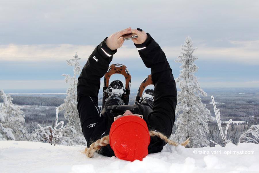 Kevät 2016, lumikenkäilyä Kolilla.